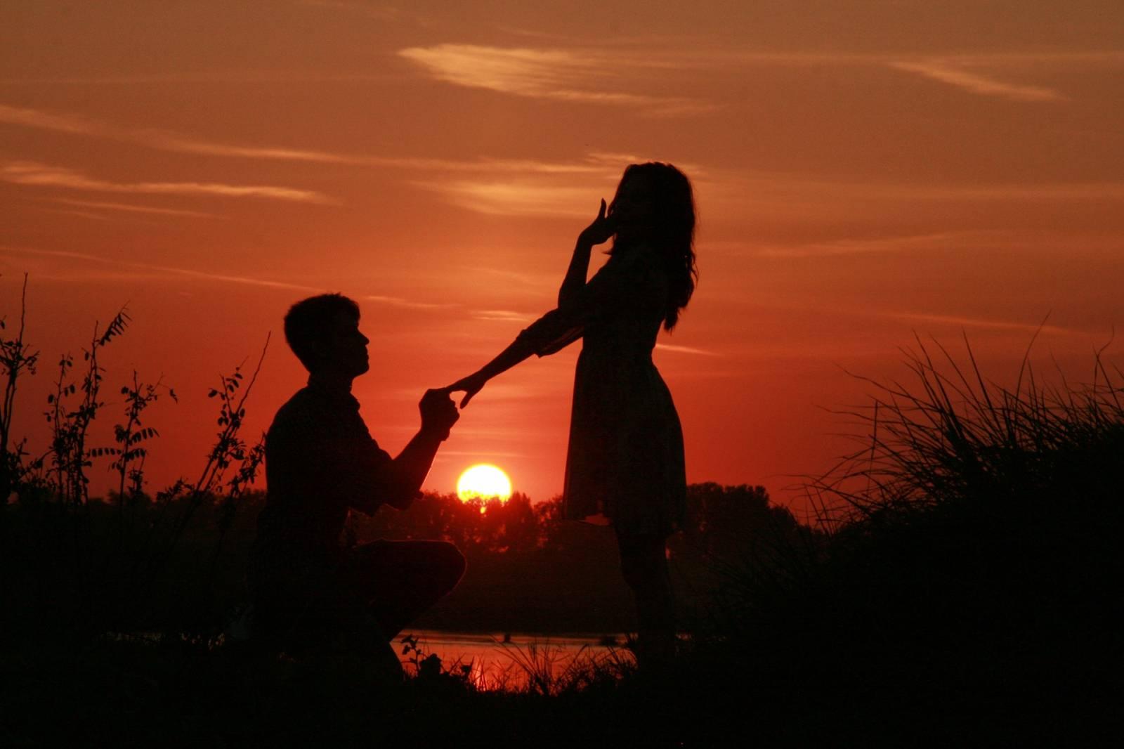 Szerelmespár és Naplemente