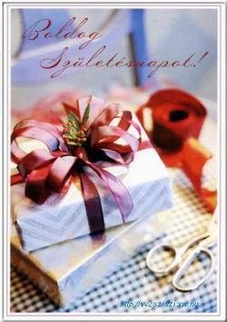 Születésnapi képeslap küldése ajándék csomagokkal.